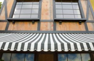 How Can Retractable Awnings Save You Money on Your Energy Bills
