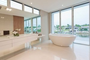 3 Things to Look for in Small Bathroom Blinds